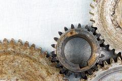 Su dettagliato di vecchie ruote dentate corrose dell'ingranaggio Fotografia Stock Libera da Diritti