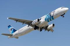 SU-GBW EgyptAir, Airbus A321-231 Image libre de droits