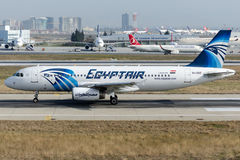 Su-GBZ EgyptAir, Luchtbus A320-232 Stock Afbeelding