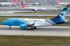 SU-GDK明确的EgyptAir,巴西航空工业公司170-100LR 库存图片