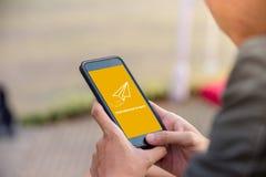 Su mensaje se envía en concepto de la pantalla del smartphone Fotos de archivo libres de regalías