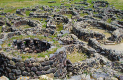 SU Nuraxi di Barumini em Sardinia, Itália imagens de stock royalty free