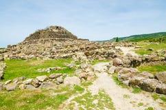 Su Nuraxi di Barumini i Sardinia, Italien royaltyfria bilder