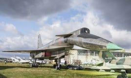 Su-100 (t-4) - staking-Verkenning vliegtuigen maximum snelheid, km/h-32 Stock Fotografie