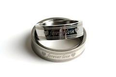 Su y el suyo anillos de bodas Foto de archivo libre de regalías