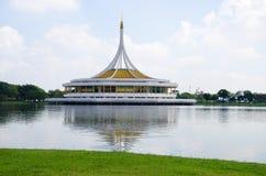 在Suan luang RAMA IX的纪念碑 免版税库存照片