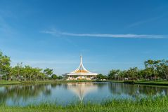Suan Luang Rama IX, schöner Himmel lizenzfreie stockbilder
