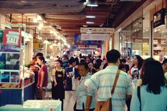 Suan luangThailand 13 november 2018 shoppinggalleria i bangkok royaltyfria bilder