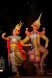 Suan Santichaiprakarn, Tailandia - giugno 12,2010: I ballerini eseguono la manifestazione tailandese tradizionale di ballo fotografia stock