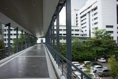 Suandok SkyWalk, τρόπος περιπάτων μεταξύ του κτηρίου χώρων στάθμευσης πάρκων Suandok Στοκ εικόνα με δικαίωμα ελεύθερης χρήσης