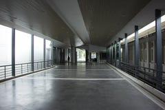 Suandok SkyWalk, τρόπος περιπάτων μεταξύ του κτηρίου χώρων στάθμευσης πάρκων Suandok Στοκ φωτογραφία με δικαίωμα ελεύθερης χρήσης