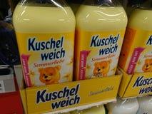 Suavizador de la tela de Kuschelweich fotos de archivo