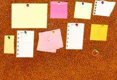 Suba con los papeles en blanco Fotografía de archivo libre de regalías