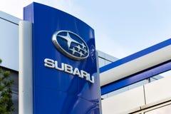 Subaru在经销权大厦的公司商标 免版税图库摄影