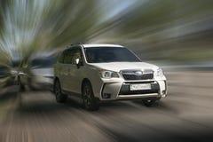 Subaru bielu samochód obrazy stock
