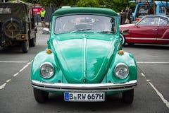 Subcompact, coche Volkswagen Beetle de la economía fotos de archivo