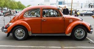 Subcompact, coche Volkswagen Beetle de la economía foto de archivo libre de regalías