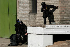 Anti-terrorist police during a black tactical exercises  Real si Stock Images