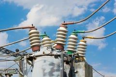 Subestação de alta tensão elétrica Imagem de Stock Royalty Free