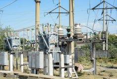 Subestação de alta tensão elétrica Fotografia de Stock Royalty Free