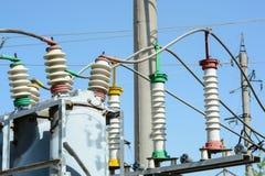 Subestação de alta tensão elétrica Foto de Stock Royalty Free