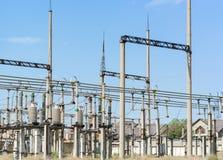 Subestação de alta tensão elétrica Imagem de Stock