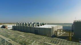 Subestación eléctrica cercana de invernadero almacen de metraje de vídeo