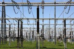 Subestación eléctrica con los transformadores Foto de archivo libre de regalías