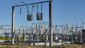 Subestación eléctrica fuera de la ciudad Fotografía de archivo