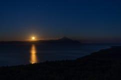 Subida de la luna Fotos de archivo libres de regalías