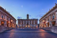 Subida del cuadrado del foro de Roma Fotos de archivo