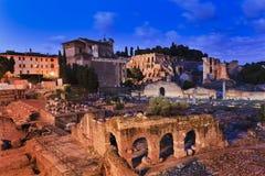 Subida del foro de Roma Foto de archivo libre de regalías