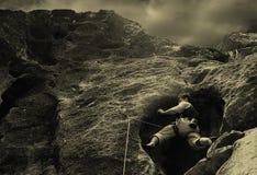 Subida en rocas. Fotos de archivo libres de regalías