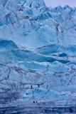 Subir un glaciar Imágenes de archivo libres de regalías