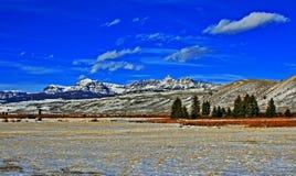Sublette maximum i den Absaroka bergskedjan på det Togwotee passerandet som sett från Dubois Wyoming Royaltyfri Bild
