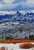 Sublette maximum i den Absaroka bergskedjan på det Togwotee passerandet som sett från Dubois Wyoming Royaltyfri Foto