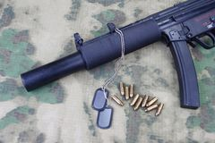 Submachine gun MP5 with silencer Royalty Free Stock Photography
