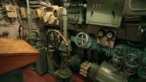 Submarino do volante para dentro vídeos de arquivo