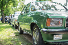 Subotica, Σερβία-Jun 05.2016: Opel Rekord από το 1976 στο ετήσιο παλαιό κοινό χρονομέτρων Στοκ Εικόνες