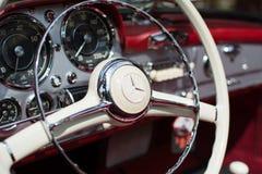 Subotica, Jun 05,2016: Mercedez SL190 na Rocznego starego zegaru jawnym samochodowym przedstawieniu Zdjęcie Stock