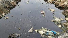 Substancje chemiczne i toksyczni gazy wytwarzający wysypiskiem zbiory wideo