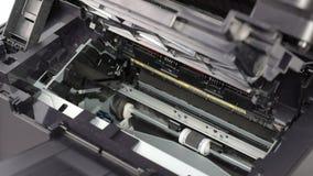 Substituição do cartucho na impressora a laser filme