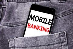 Subtítulo conceptual do texto da escrita da mão que mostra a operação bancária móvel Conceito do negócio para o phon móvel escrit foto de stock