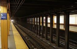 Subterráneo de Fifth Avenue fotos de archivo