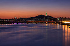 Subterráneo y puente de Seul en Hanriver en Seul, Corea del Sur Fotografía de archivo