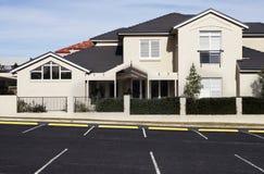 suburbain moderne de maison image stock
