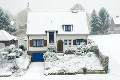 Suburban house in winter Royalty Free Stock Photography