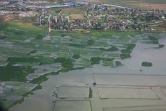 Suburbio de Manila, visión desde el avión, Filipinas imagenes de archivo