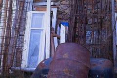Sucata de metal industrial Isolado fotos de stock royalty free