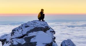 Succes na górze горы стоковая фотография rf
